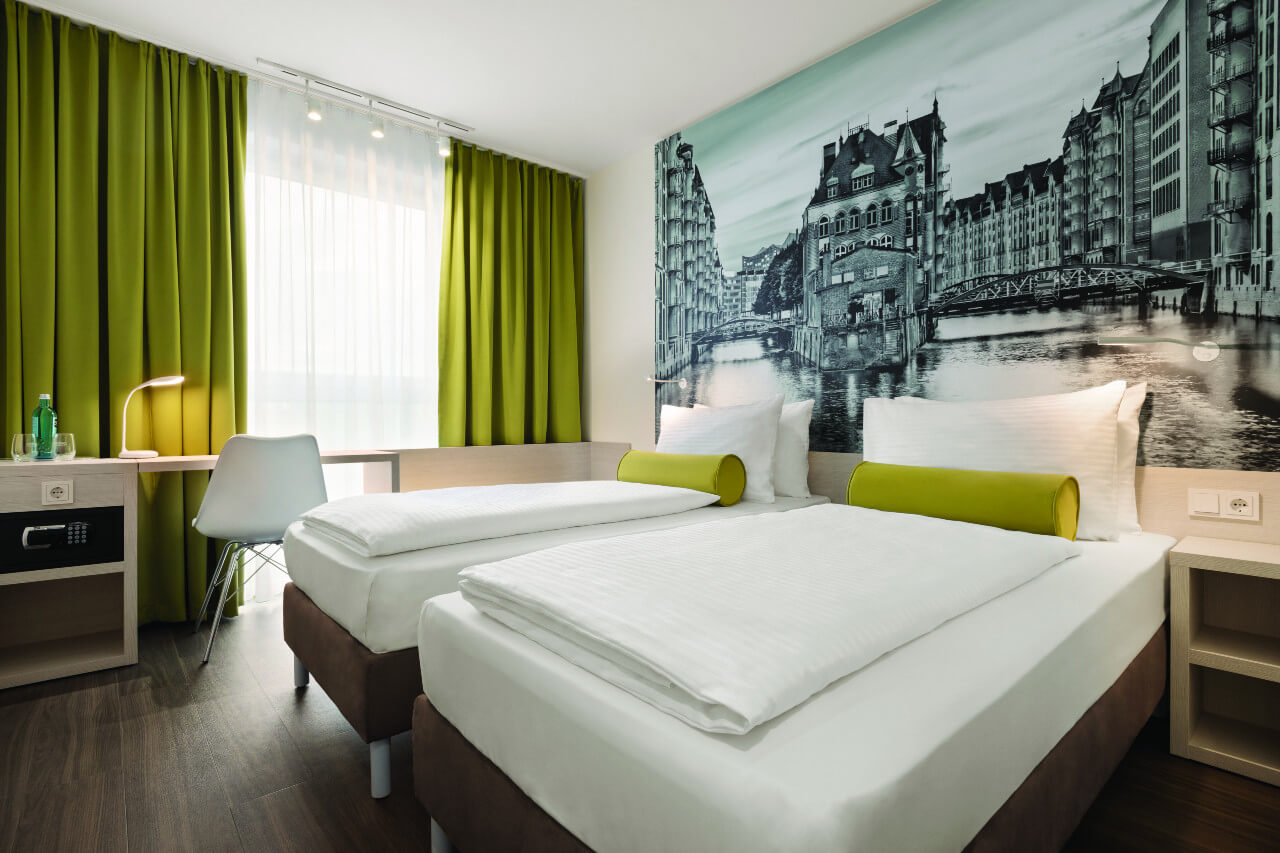 Hotels in Hamburg - Super 8 by Wyndham Hamburg Mitte.
